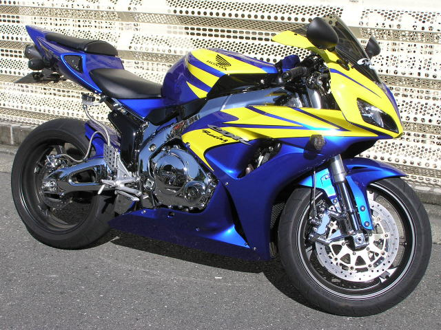 CBR1000RR メッキ・カスタム ウォンウォン系最鏡バイク!
